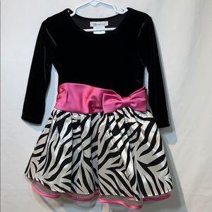 Bonnie Jean Dresses - Bonnie Jean Long Sleeve Black Velvet Dress 2T